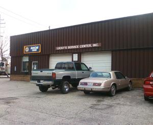 Lucky's Service Center